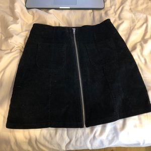 black brandy melville skirt